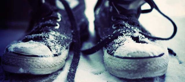 how to cure sweaty cold feet in winter