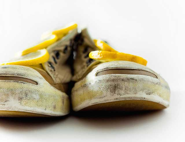 How To De-Stink Smelly Shoes? Disinfect, Then Deodorize - Smelly ...